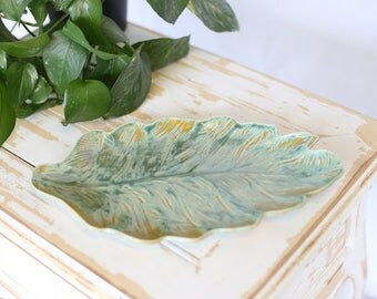 Green Gold Leaf Pottery Tray/Handmade Green Pottery Tray/Ceramic Leaf Tray/Leaf Ceramic Tray/Pottery Leaf/Green Gold Leaf Tray/Handmade Tray