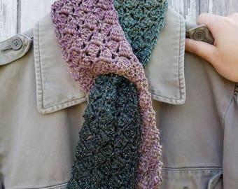 Flirty Keyhole Scarflet in Sparkling Sidesaddle Wolfsbane Crochet