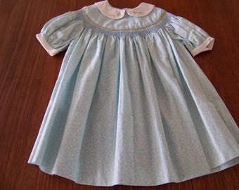 Girls dress Hand made Hand smocked