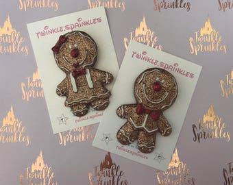 Gingerbread cookie brooch