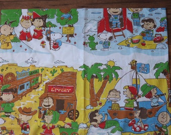 Charlie Brown Bed Sheet // Vintage Twin Flat Sheet Snoopy Novelty Kids