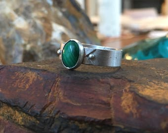 Malachite Sterling Silver Ring with detail along band