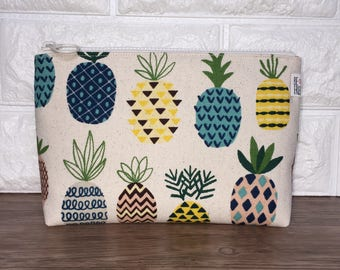 Pineapple Makeup Bag - Pineapples Fabric Handmade Cosmetic Bag – Zipper Pouch – Toiletry Bag – Cosmetics Case – Zippered toiletries travel