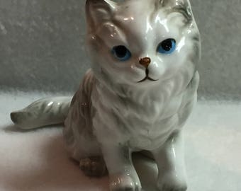 Lefton Cream and Gray Kitty with Blue Eyes (#101)