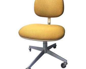 Steelcase Mustard Swivel Chair c. 1960s
