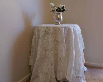 Elegant Square Vintage Crochet Lace Tablecloth ~ 100% WHITE Cotton ~ Lovely Detail!