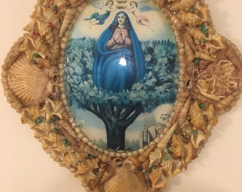Folk Art Sailors Shell Religious/Catholic Vintage Our Lady of Lourdes Blessed  Virgin Mary   Frame with  Convex Glass