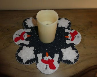 Candle mat, wool candle mat, snowmen, snowflakes, Christmas decoration, winter decoration, tabletop decor, kitchen decor, holiday decor,