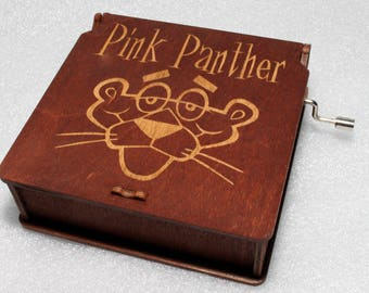 "Pink Panther #3 - Engraved Wooden Music Box - ""Pink Panter"" Inspector Clouseau True Detective - Hand Crank Movement"