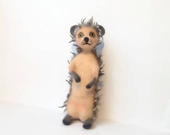 Toy Hedgehog Cute hedgehog Brown Felted figure for gift Woolen toy Needle felt animal Art toy Home decoration Soft needles Hedgehog ornament