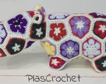 Hippopotamus African flower with crochet technique. Toy, stuffed animal, amigurumi. Present. Birthday. Stuffed animal.