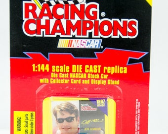 Racing Champions 1997 Jeff Gordon #24 Nascar 1/144 Scale Diecast Car