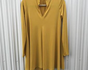 Long Sleeve / Flowy / Dress / Deep V-Neck