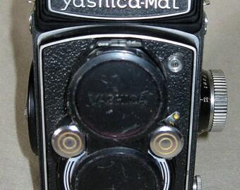 Yashica Mat Twin Lens Reflex (TLR) Camera
