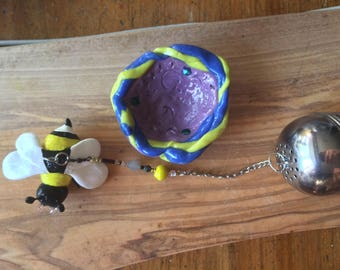 Bumble Bee Tea Infuser with dish, Handmade Porcelain-Clay Tea Infuser