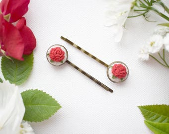 Hand Embroidered Rose Bobby Pins, Vintage Style Hair Pins, Red Roses, Hand Embroidered Hair Accessories, Romantic Roses, Flower Girl