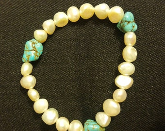 Pearls and Turquoises Bracelet
