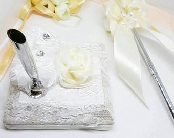 Wedding pen, Guestbook signing pen, guest book pen, guestbook pen, pretty pen, floral pen, registry pen, ribbon, wedding pen with stand,pens