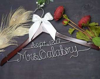 Personalized Wedding Hanger with Date, Double Line Bridal Hanger Custom Wire Bride Bridesmaid Name Wedding Dress Hanger, Wedding Shower Gift