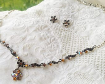 Dainty Carnival Glass and Enamel Necklace and Pierced Earring set - 1990 - Excellent Condition -  Wedding - Bridal Shower - Vintage