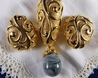 "Vintage ""Barrera for Avon"" Venetian Mist Collection Gold Tone Brooch and Earrings"