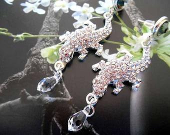 Earrings dangling Crystal rhinestone lizard.