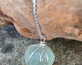 Frosted seaglass pendant