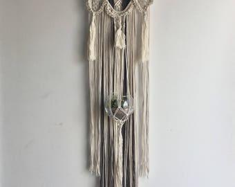 Decorative plant hanger