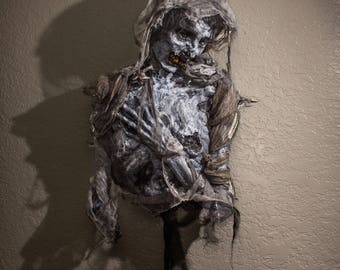 Mummy torso, life sized prop (Halloween/Horror/Gothic/Cemetery/Corpse/Head/Mummy/Egyptian)