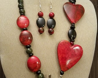 Red and black heart beaded necklace