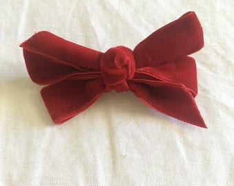 Velvet pinwheel bow