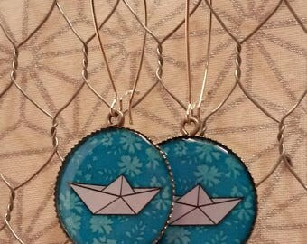 Dangling earrings - origami boats-