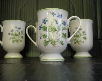 4 Spring Violet Mugs from the Royal Domino Collection