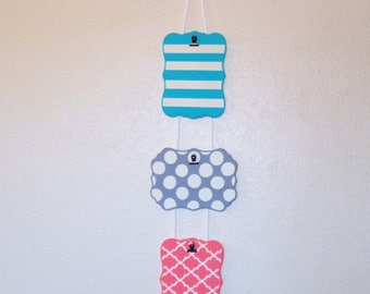 Hanging Plaque with Clip