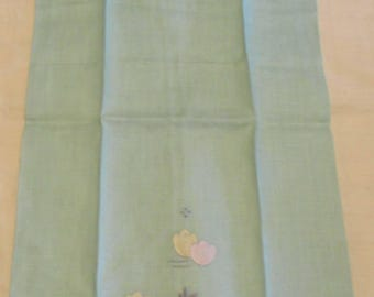 Hand Towel Light Green Vintage NEW Crisp and Appliqued