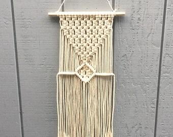 Macrame Wall Hanging/ Modern Macrame/ Tapestry/ Weaving/ Wall Hanging