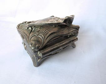 Vintage beautiful Jewelry Box