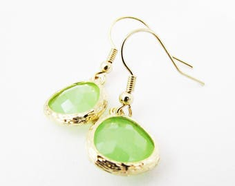 Pale Green Earrings, Apple Green and Gold Earrings, Green Earrings for Wedding, Green Wedding Jewellery, Light Green Crystal Earrings