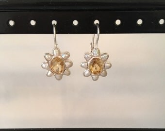 Pearl and citrine earring