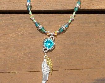 Colliers très frais et brillant créé avec du quartz rose et des perles de Swarovski, un amour de collier!