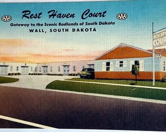 Rset Haven Court, Wall, Soth Dakota Vintage Postcard
