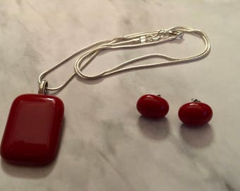 Red fused glass pendant and earrings