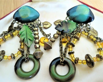 Quirky pair of vintage 1980s earrings (for pierced ears)