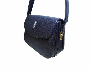 Fiber Street VINTAGE! classic 90s beautiful metal vintage Stingray leather bag