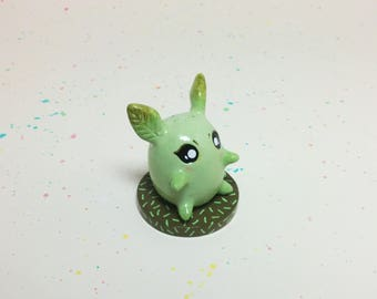 Mini Critter #5 - Leaf Creature Figurine