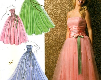 Simplicity 3878 JESSICA McCLINTOCK Full Tulle Skirt Strapless Gown Sizes 4 - 12 ©2007 English & Spanish Instructions