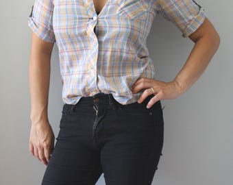 pretty plaid. vintage boyfriend blose. top. button up camp shirt. blue. button sleeve. tan. neutral. summer small. sm. s.