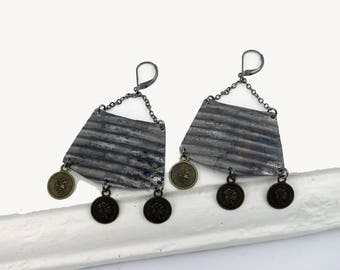 Grooves chain, coins and recycled can earrings leverback earrings grey brown by Palepink