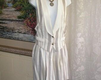 Vintage Shorts Vest Set - Beige Taupe Striped - Studio J - Made in USA - 1990s Nineties - Size M 9/10