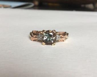 Green Oregon Sunstone ring in vintage tri-gold setting